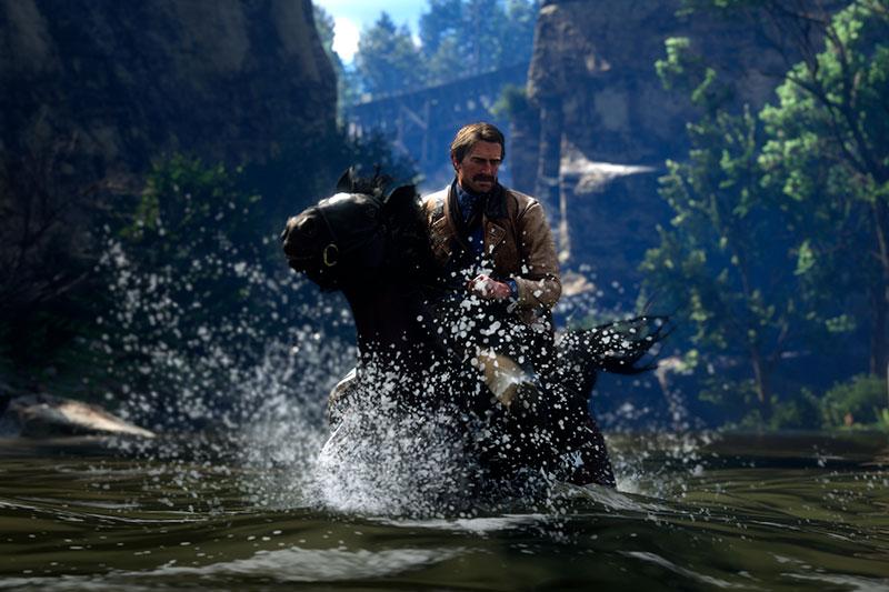 Red Dead Redemption 2 pc -valokuvatilalla otettu kuva, jossa Arthur hevosen kanssa joessa.